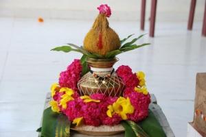 varalaksmi-devi-puja-festival-hindu
